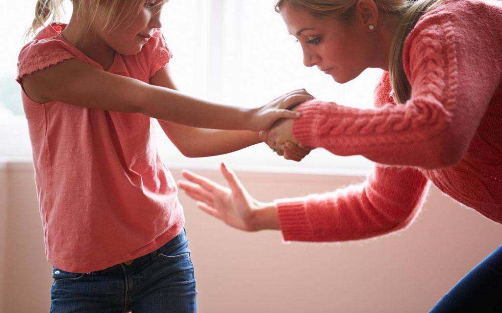 اثرات منفی کتک زدن کودک و جایگزینی برای ان