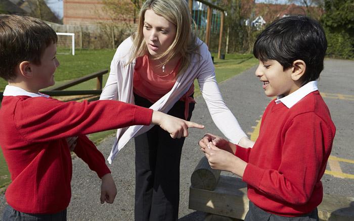 راهکارهایی برای مدیریت دعوای کودکان
